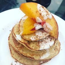 Pancakes de Avena y Duraznos